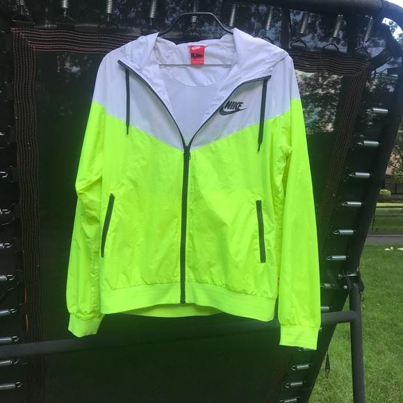 aca892d3d Neon yellow Nike windbreaker. M 5b731fd25fef37c18c5ea75c